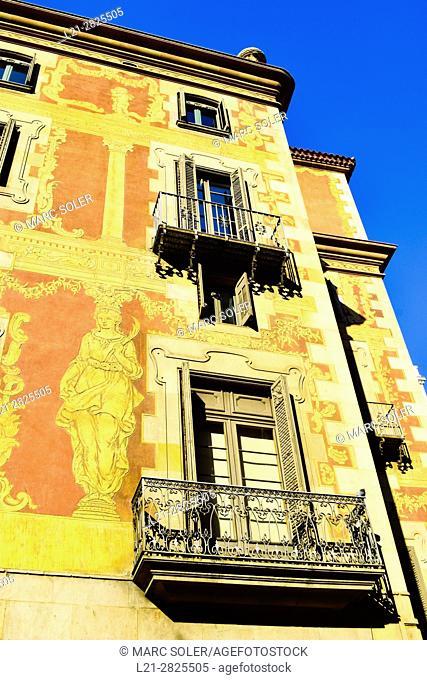 Casa del Gremi de Velers, Col·legi de l'Art Major de la Seda de Barcelona. Via Laietana, Barcelona, Catalonia, Spain
