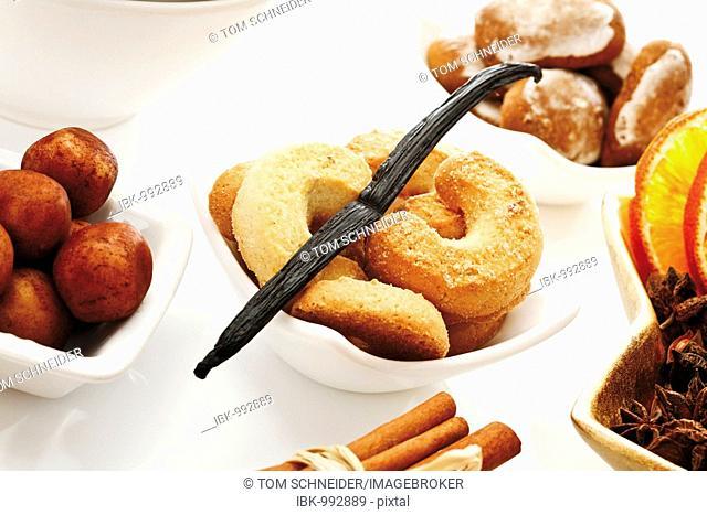 Vanilla bean on vanilla crescent shaped biscuits, and christimas dainties