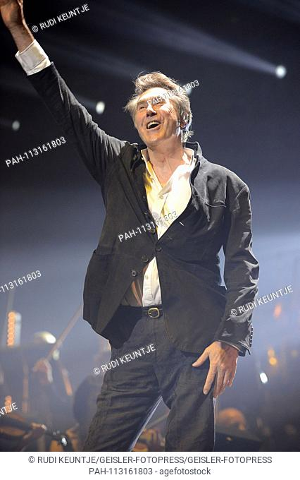 Bryan Ferry live at the Night of the Proms 2018 in the TUI Arena. Hannover, 04.12.2018 | usage worldwide. - Hanover/Niedersachsen/Deutschland