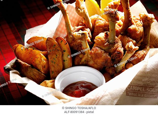 Chicken and fried potatoes