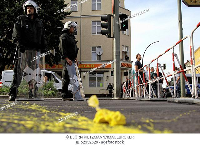 Protest against an anti-Islamic rally by the minor political party Pro Deutschland in front of a mosque in Berlin-Neukoelln