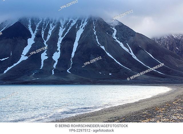 arctic beach and mountains, Hornsund, Spitsbergen, Svalbard