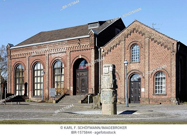 Former factory building of Erckens Cotton Mill, now the City Archives, Grevenbroich, Niederrhein, North Rhine-Westphalia, Germany, Europe