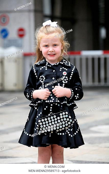 Guildhall Yard, London, UK - 25 Sept 2016 - The annual Pearly Kings and Queens & Costermongers harvest festival at the Guildhall in London