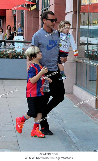 Gavin Rossdale enjoys a day out with his sons in Beverly Hills Featuring: Gavin Rossdale, Kingston Rossdale, Zuma Rossdale, Apollo Rossdale Where: Los Angeles