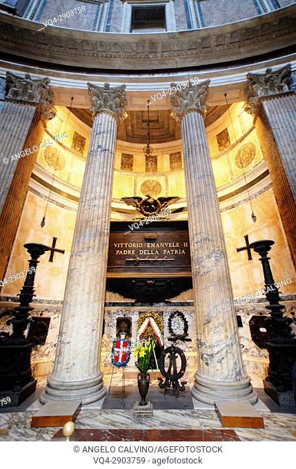 Pantheon interior,Vittorio Emanuele King's of Italy Graves, Rome, Italy
