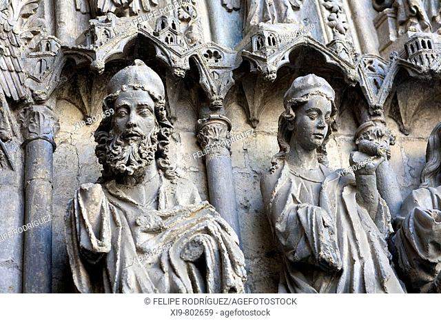 Detail on the Gothic sculptures of the San Francisco gate, cathedral, Leon. Castilla-Leon, Spain