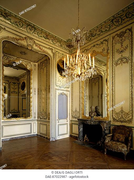 Dauphiness' chamber, with wood paneling, 1748, Dauphiness' apartment, Palace of Versailles(UNESCO World Heritage List, 1979). France