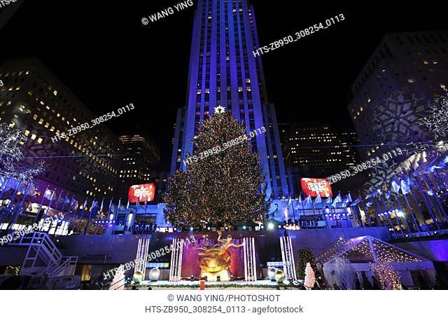 (171130) -- NEW YORK, Nov. 30, 2017 () -- The lighted Christmas tree is seen after the 85th Christmas Tree Lighting Ceremony in Rockefeller Center in New York