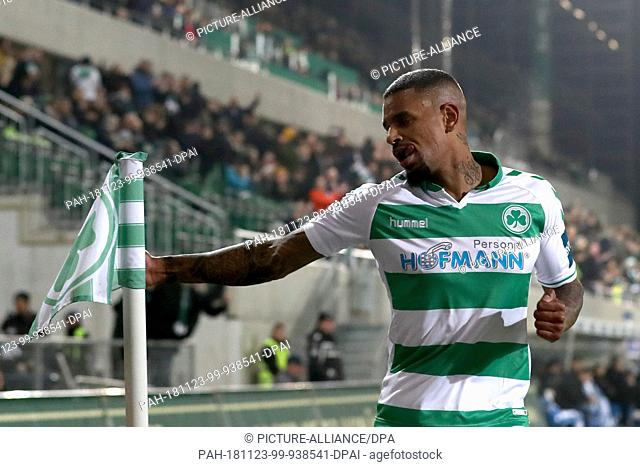 23 November 2018, Bavaria, Fürth: Soccer: 2nd Bundesliga, SpVgg Greuther Fürth - 1st FC Magdeburg, 14th matchday, at the Sportpark Ronhof Thomas Sommer