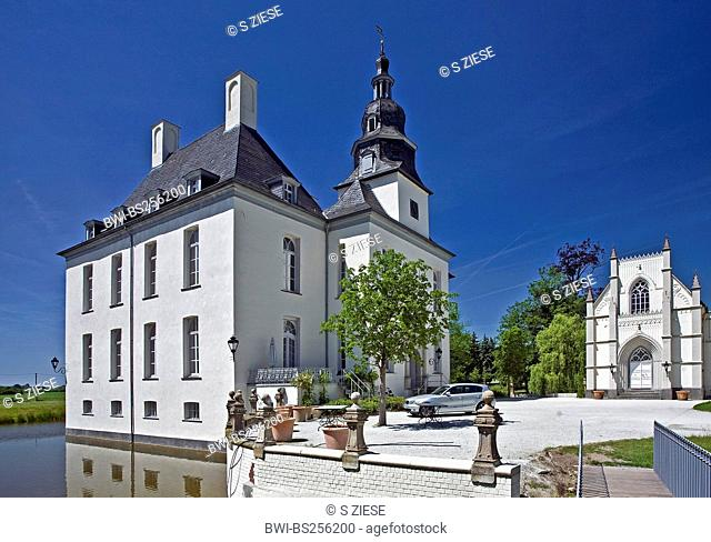 Gartrop castle in Lower Rhine region, Germany, North Rhine-Westphalia, Ruhr Area, Huenxe