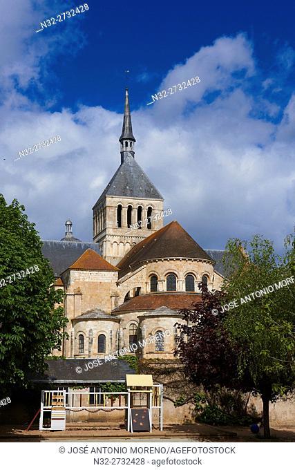 Abbaye de Saint-Benoît-sur-Loire, Abbey Of Fleury, Saint-Benoît-sur-Loire, Loire Valley, UNESCO World Heritage Site, Loire River, Loiret department