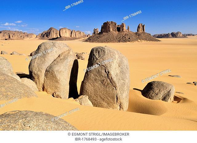 Tassili n'Ajjer National Park, Unesco World Heritage Site, Tikobaouine Region near Erg Admer, Wilaya Illizi, Algeria, Sahara, North Africa