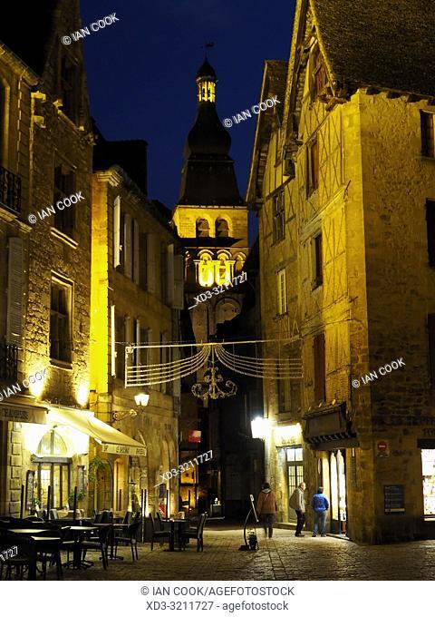 Cathedral Saint Sacerdos at night,Sarlat-la-Caneda, Dordogne Department, Nouvelle-Aquitaine, France
