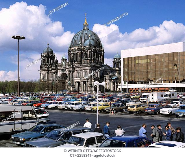 Germany, Berlin, Spree, Capital of Germany, Berlin-Mitte, Berlin Cathedral, evangelic church, renaissance, baroque, Palace of the Republic, parliament building