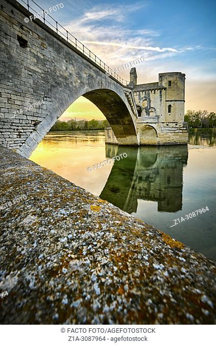 St Benezet bridge, located in the City of the Popes. UNESCO World heritage site. Avignon. Vaucluse. Provence-Alpes-Côte d'Azur. France