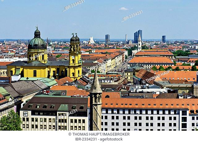 View over the roofs of Munich as seen from the steeple of the Church of St. Peter, Theatinerkirche church on the left, Munich, Upper Bavaria, Bavaria, Germany