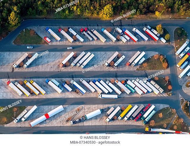 Rest area Hamm-Rhynern, narrow parking lots, trucks, driving times, breaks, Hamm, Ruhr area, North Rhine-Westphalia, Germany