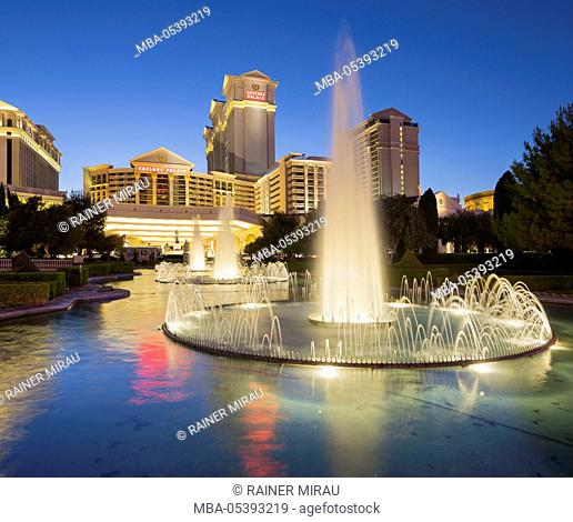 Fountain in front of the Ceasars Palace Hotel, Strip, South Las Vegas Boulevard, Las Vegas, Nevada, USA