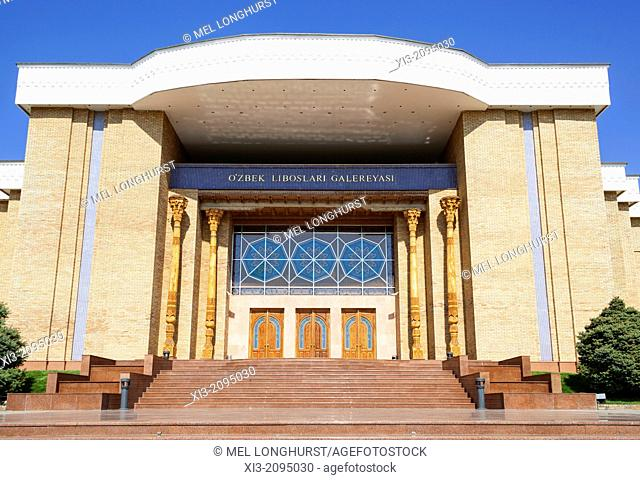 National Arts Centre, Ozbek Liboslari Galereyasi, Tashkent, Uzbekistan