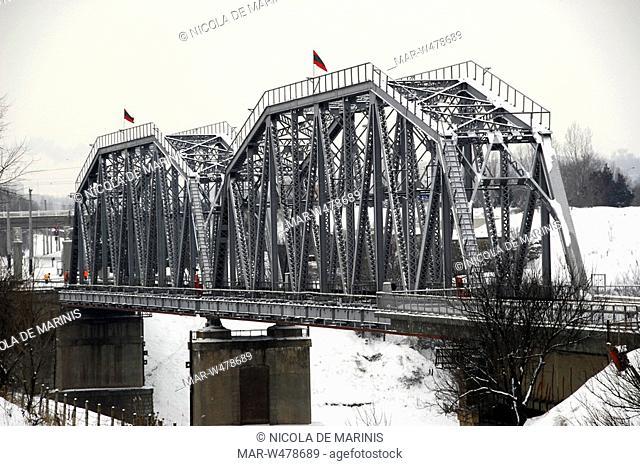 ponte sul fiume nestru, zona di frontiera con la moldavia, tiraspol, transnistria