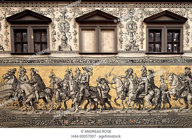 Mural Fuerstenzug Facade of the Stallhof at the Augustusstrasse, Dresden, Saxony, Germany, Europe