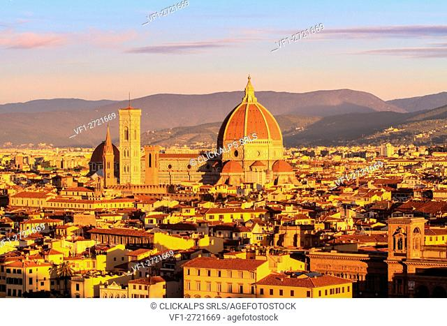 Europe, Italy, Tuscany. Cathedral of Santa Maria Novella in the center of Florence at sunset - City of Tuscany