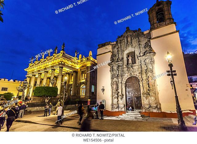 Night scene with the San Cayetano Church and The Teatro Juarez Guanajuato