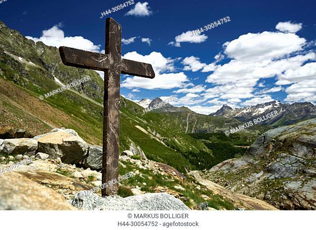Berninapass, cross, scenery, the Engadine, nightmare plant, nightmare flora, rock, Christ's cross, Catholicism, Christianity, faith, religion, wooden cross, sky