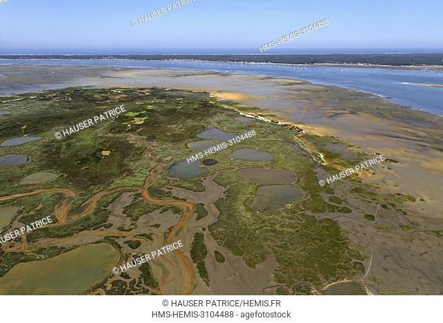 France, Gironde, Bassin d'Arcachon, La Teste-de-Buch, Ile aux Oiseaux, district of the Port de l'Ile (aerial view)