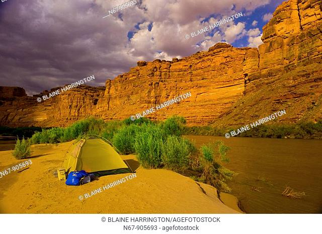 Camping on a small island, Meander Canyon section of the Colorado River in Canyonlands National Park, Utah, USA