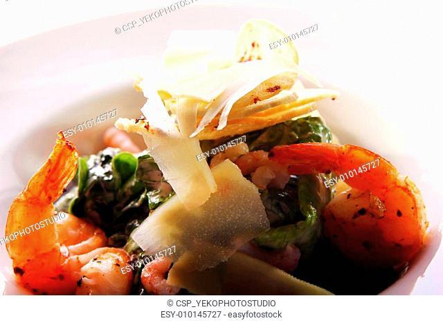 Seafood gourmet salad with shrimps