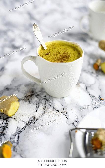 Nut milk with turmeric, ginger, cinnamon and honey