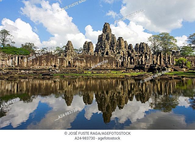 Cambodia-No  2009 Siem Reap City Angkor Temples W H  Bayon Temple within Angkor Thom
