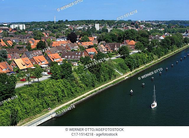 Germany, Kiel, Kiel Fjord, Baltic Sea, Schleswig-Holstein, Kiel-Holtenau, city panorama, residential buildings, canal bank, boardwalk, towpath
