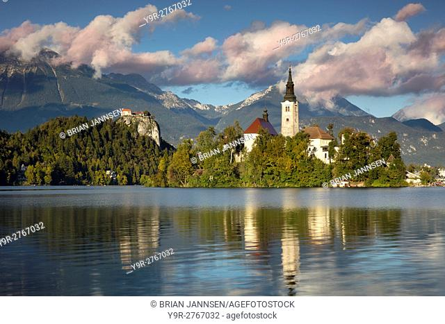 St Mary's Church of the Assumption on Bled Island in Lake Bled with Bled Castle beyond, Bled, Upper Carniola, Slovenia