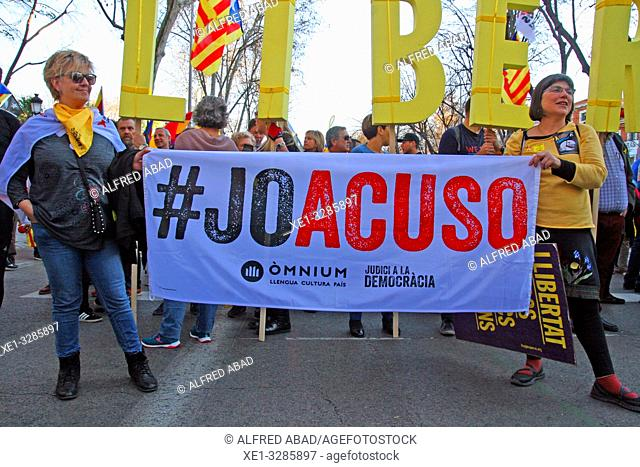 protest banner, Catalan pro-independence demonstration of 16 March 2019, Madrid, Spain
