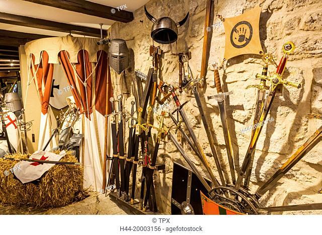 Germany, Bavaria, Romantic Road, Rothenburg-ob-der-Tauber, Waffenkammer Shop, Display of Replica Medieval Armour