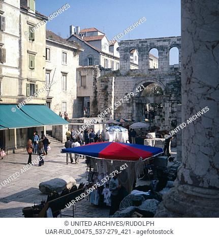 Eine Reise nach Split, Kroatien, Dalmatien, Jugoslawien 1980er Jahre. A trip to Split, Croatia; Dalmatia, Yugoslavia 1980s