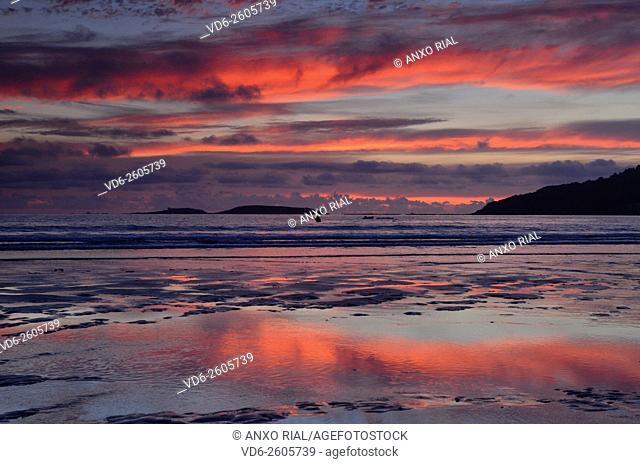 Spain. Galicia. Pontevedra. Rias Baixas. Gets dark in Playa America . Nigran