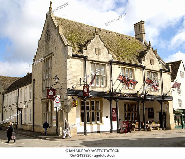 The Snooty Fox public house, Tetbury, Cotswolds. Gloucestershire, England, UK