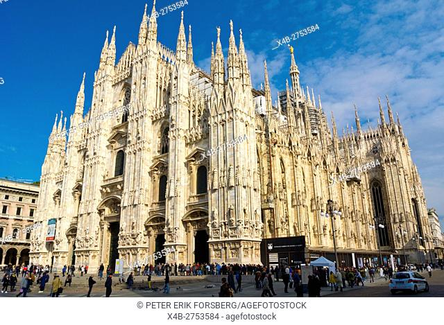 Duomo, the cathedral church, Piazza del Duomo, Milan, Lombardy, Italy