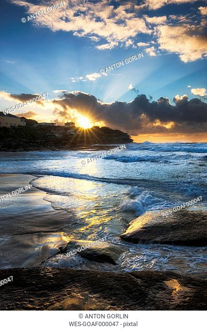 Australia, New South Wales, Tamarama, Beach at sunset