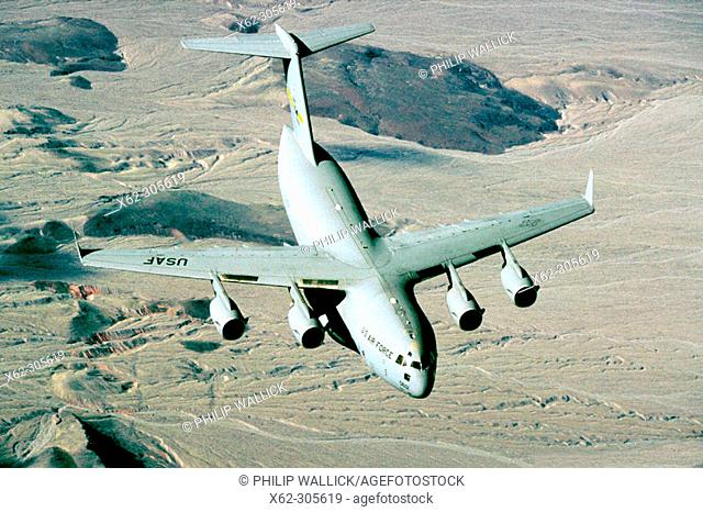 C-17 Globemaster III transport plane (USAF)
