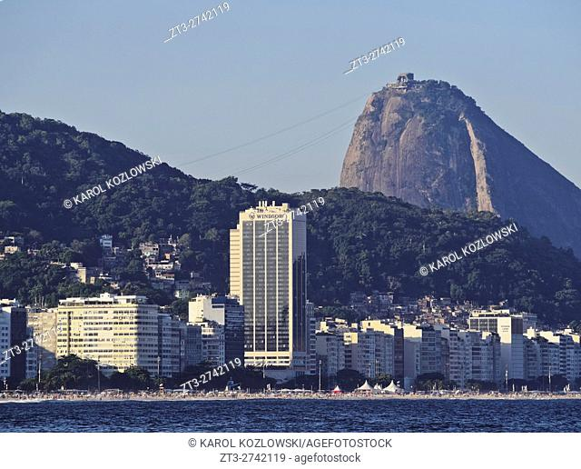 Brazil, City of Rio de Janeiro, Copacabana, View towards the Sugarloaf Mountain