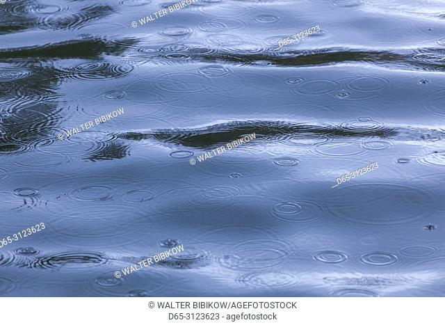 Canada, Quebec, Estrie Region, Georgeville, rain on water