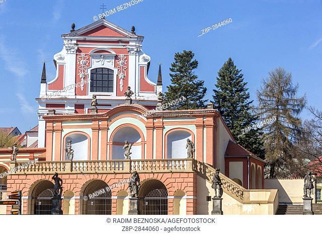 Sala terrena with Baroque statues, Klasterec Nad Ohri, Northern Bohemia, Czech Republic, Europe