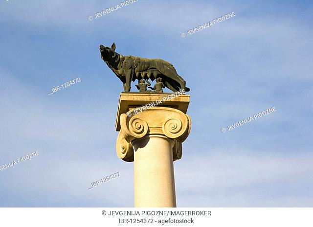 Statue of Romulus and Remus and the wolf, Piazza della Repubblica, Aosta, Aosta Valley, Valle d'Aosta, Alps, Italy, Europe