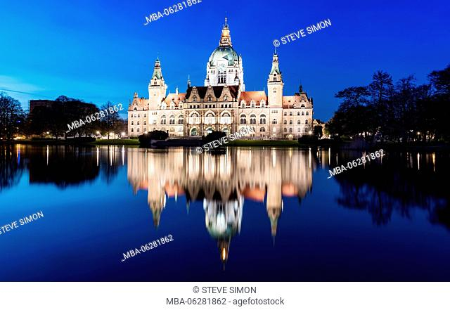 New Town Hall at the blue hour, Hannover, Niedersachsen, Germany