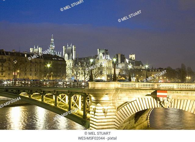France, Paris, Pont Notre-Dame, Hotel de Ville